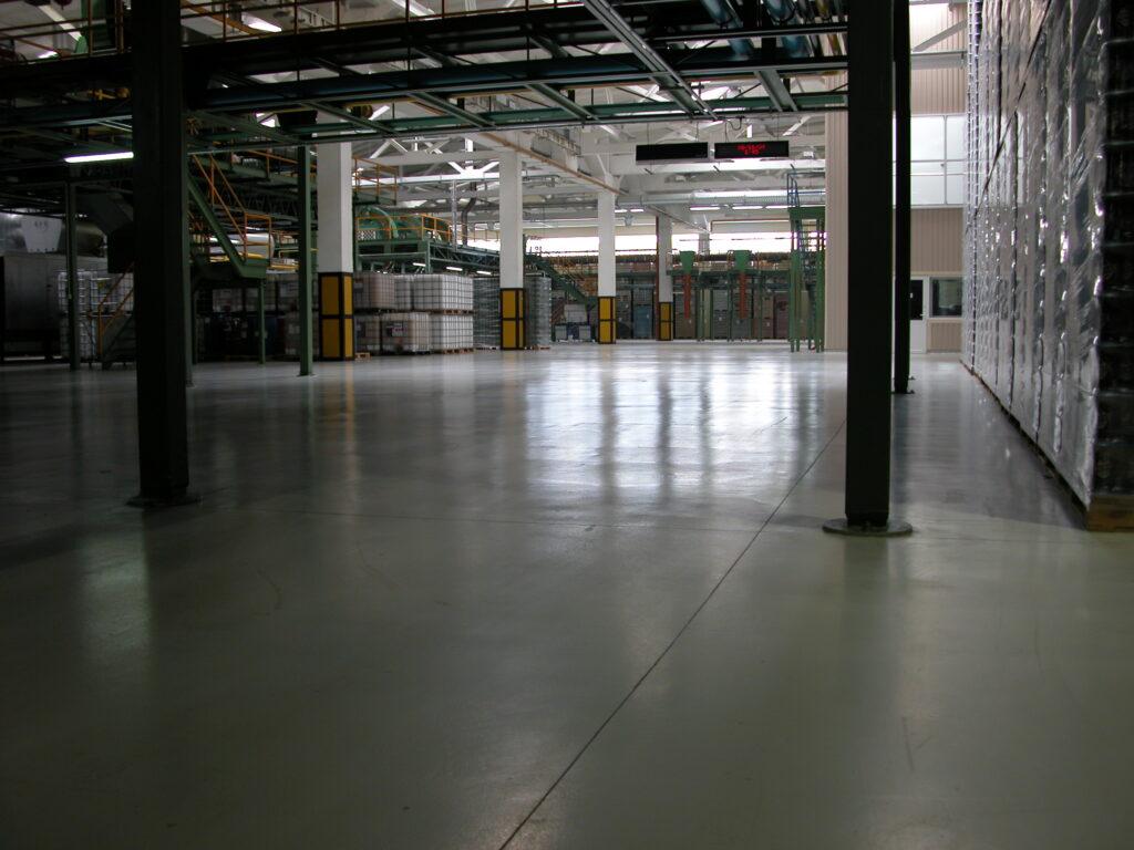 Заказать топпинги (бетонные полы с упрочняющим верхним слоем)
